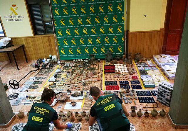 La Guardia Civil desarticula una organización criminal de origen búlgaro dedicada al expolio y falsificación de material arqueológico - 4, Foto 4