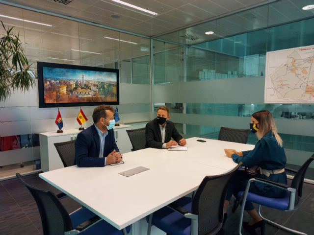 Reunión para analizar perspectivas futuras del sector turístico en el municipio - 1, Foto 1