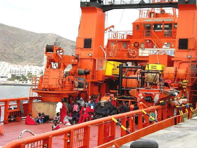 Podemos pide una estrategia integral de acogida de migrantes a las costas murcianas - 1, Foto 1