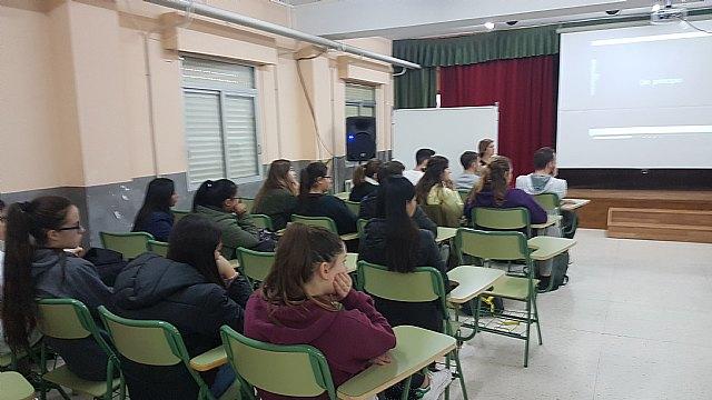 "Red Cross Totana gave talks on volunteering at IES ""Prado Mayor"" - 2"