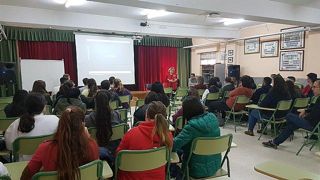"Red Cross Totana gave talks on volunteering at IES ""Prado Mayor"" - 3"