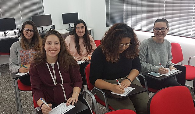 "Red Cross Totana gave talks on volunteering at IES ""Prado Mayor"" - 5"