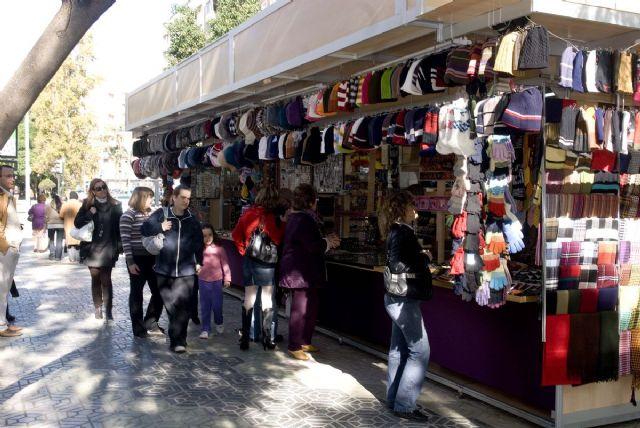 El mercadillo de artesanía y bisutería de Navidad vuelve a La Alameda - 1, Foto 1