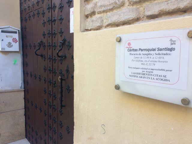 Se aprueba conceder sendas subvenciones por importe de 7.500 euros cada una a las Cáritas Parroquial de Santiago y las Tres Avemarías, Foto 4