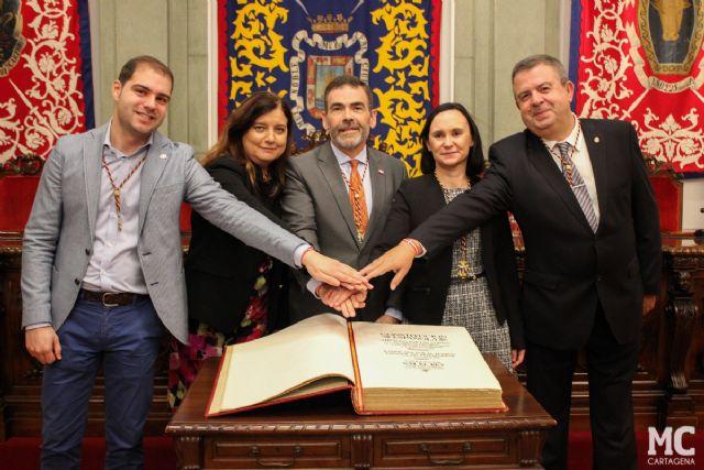 José López anima a leer la Constitución y a que ésta sea la guía de comportamiento para todos los servidores públicos - 3, Foto 3