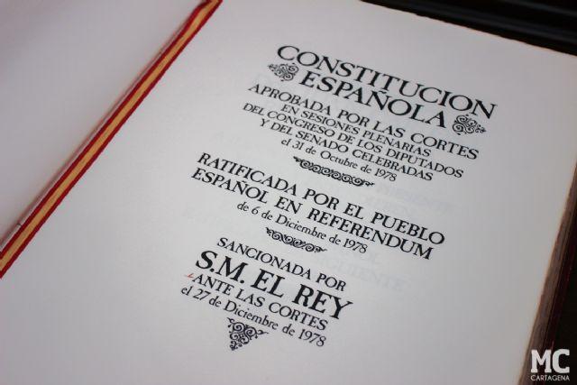 José López anima a leer la Constitución y a que ésta sea la guía de comportamiento para todos los servidores públicos - 4, Foto 4