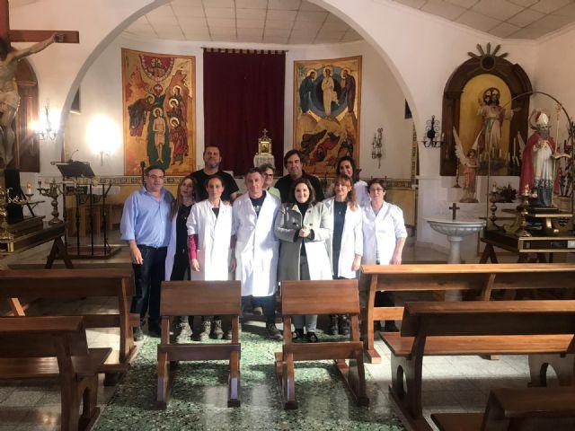 La iglesia de San Nicolás de Bari de Avilés estrena 24 nuevos bancos de madera de pino elaborados por el Taller de Carpintería  de la Concejalía de Desarrollo Local - 1, Foto 1