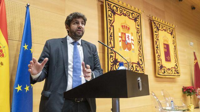 López Miras urge a defender la Constitución ante los ataques de quienes quieren romper España y nuestro modelo de convivencia, Foto 1