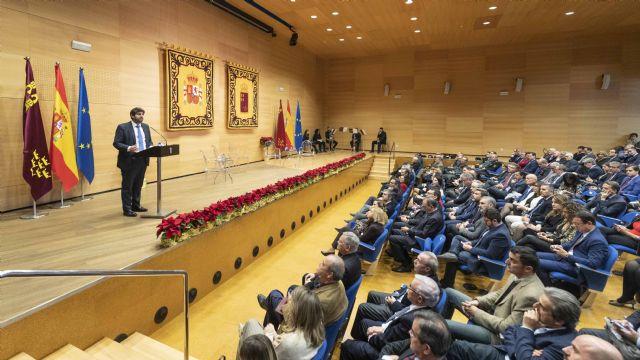 López Miras urge a defender la Constitución ante los ataques de quienes quieren romper España y nuestro modelo de convivencia, Foto 2