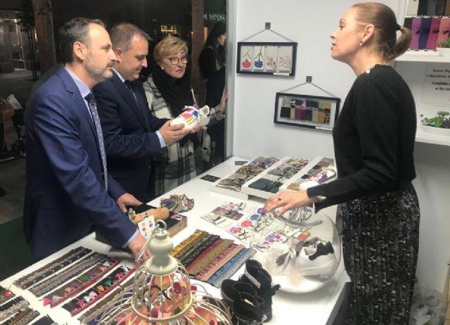 Inaugurada la Muestra de Artesanía de Navidad 2018, Foto 1