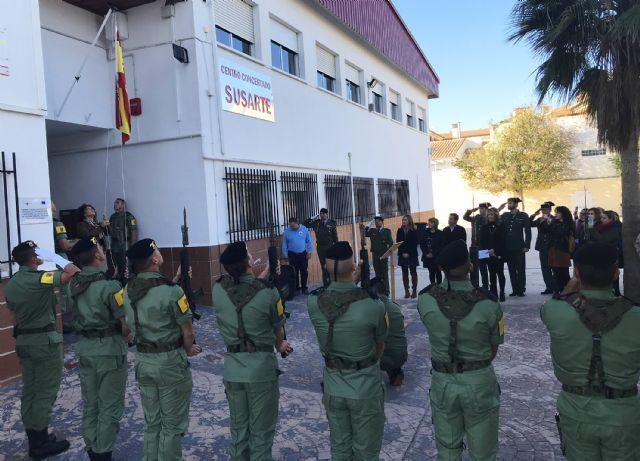 El colegio 'Susarte' celebra con un acto de izado de la bandera el día de la Constitución - 3, Foto 3