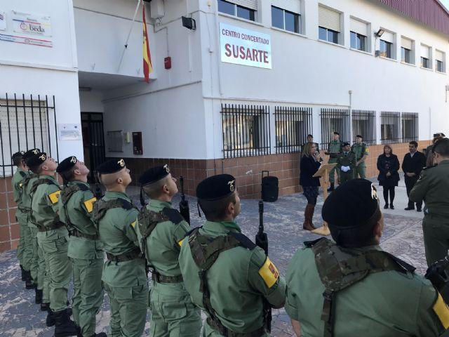 El colegio 'Susarte' celebra con un acto de izado de la bandera el día de la Constitución - 4, Foto 4