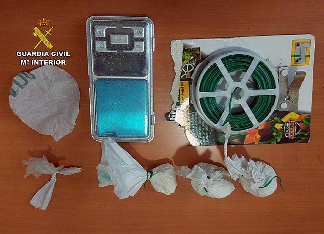 La Guardia Civil desmantela un grupo criminal dedicado al tráfico de drogas en Santomera - 2, Foto 2