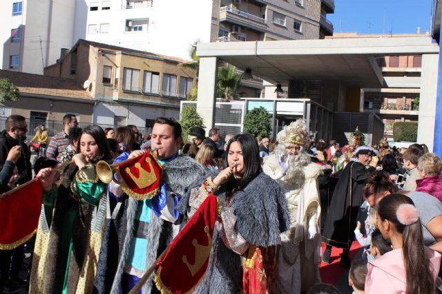 Un año más SS.MM. los Reyes Magos llegaron por el aire a Alcantarilla, a la Base Aérea - 5, Foto 5