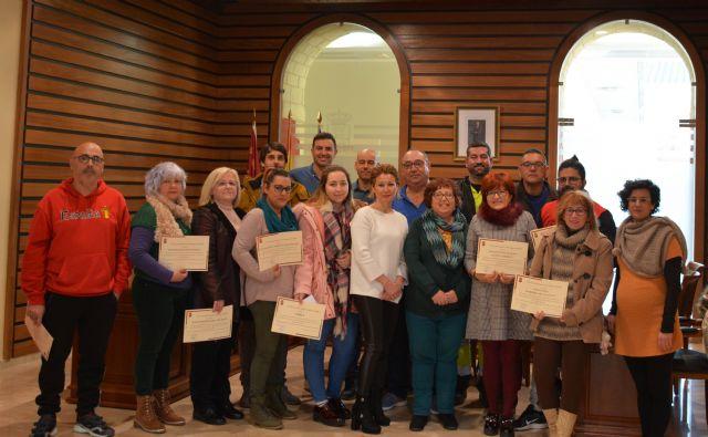 La alcaldesa entrega 30.000 euros a 18 asociaciones y colectivos de Campos del Río - 1, Foto 1