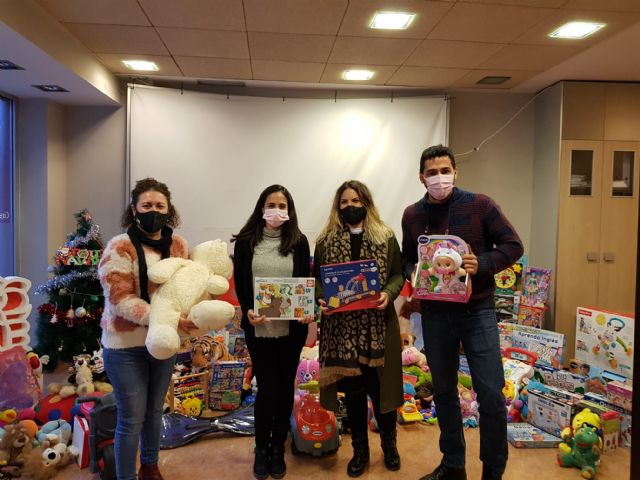 [The PSOE of Totana thanks the totaneros and totaneras for their generosity and solidarity in the toy collection campaign, Foto 4