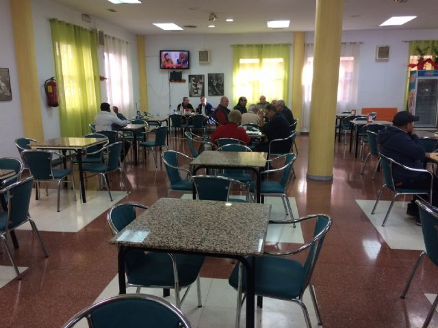The Cafeteria-Bar Service of the Municipal Center of the Third Age of the Balsa Vieja square is extended one more year - 3