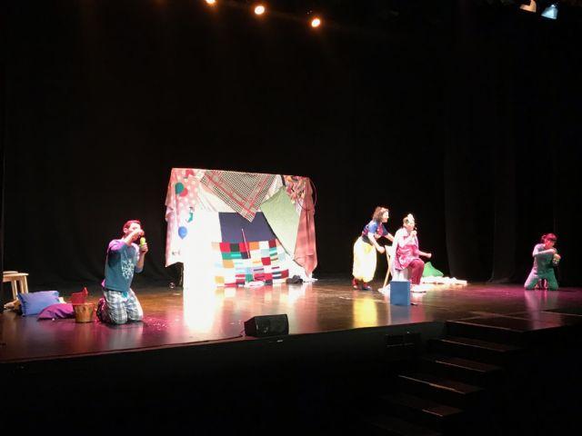 Snow White – Blancanieves, cuento clásico y dramatizado en inglés en el Centro de Artes Escénicas de Torre Pacheco - 4, Foto 4