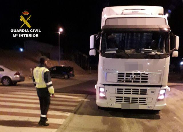 La Guardia Civil investiga al conductor de un vehículo articulado de 40 toneladas que quintuplicaba la tasa de alcoholemia, Foto 2
