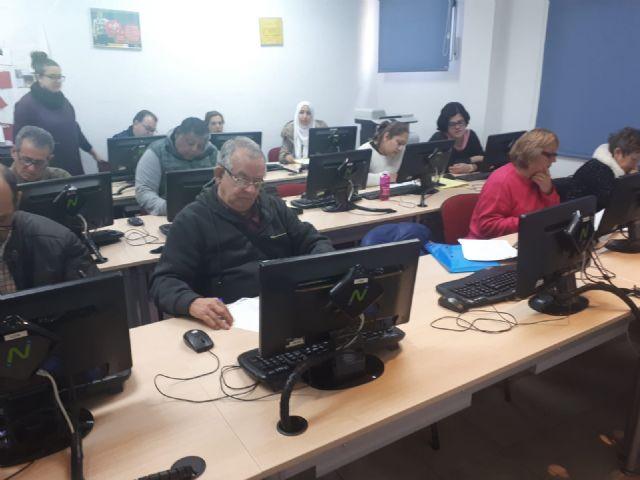 65 participantes del Proyecto Labor: Un paso hacia la empleabilidad realizan varias acciones formativas durante Enero y Febrero en Totana y Alhama, Foto 1