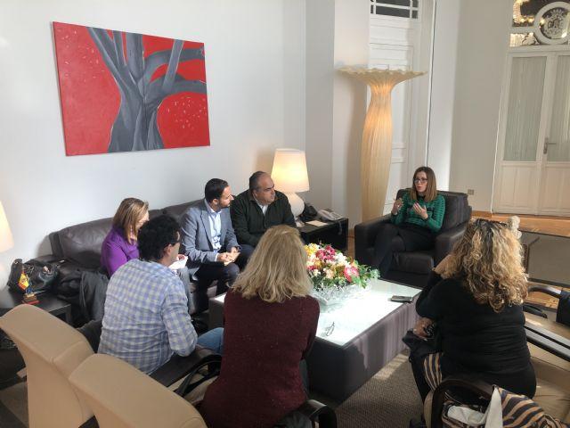 Representantes vecinales abordan con la alcaldesa de Cartagena proyectos y mejoras tendentes a la desestacionalización del turismo en La Manga - 1, Foto 1