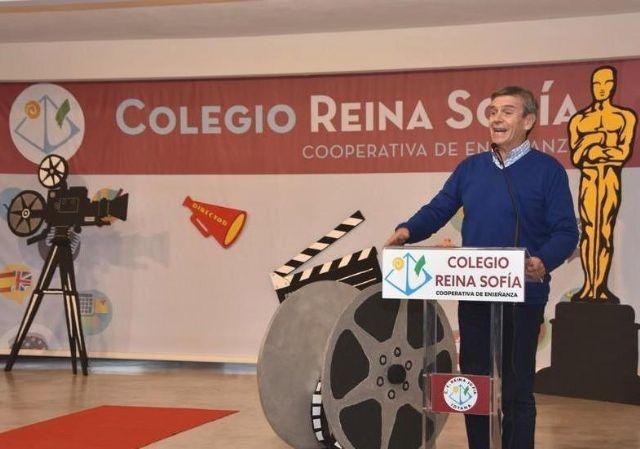 Acuerdan iniciar el expediente para declarar Hijo Adoptivo de la Ciudad de Totana, al profesor Antonio Rojas Camacho, director del Colegio Reina Sof�a durante años, Foto 1