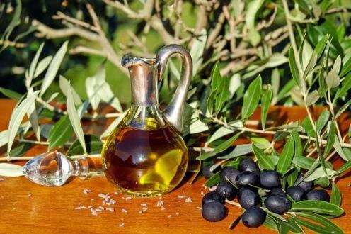 Planas aboga por crear un programa sectorial específico para el aceite de oliva y la aceituna de mesa - 1, Foto 1