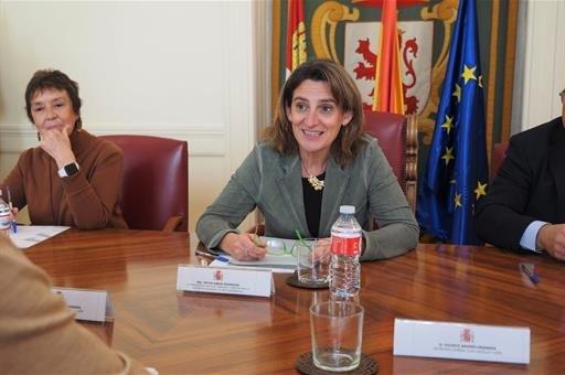 Ribera mantiene un encuentro con representantes de CCOO y UGT para conocer la iniciativa sobre la Mesa para el futuro de León - 1, Foto 1