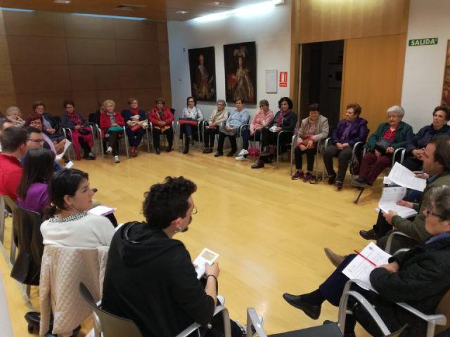Se re�ne el Consejo Municipal de Igualdad de Totana con el fin de evaluar y promover las actividades programada para el pr�ximo 25-N, Foto 3