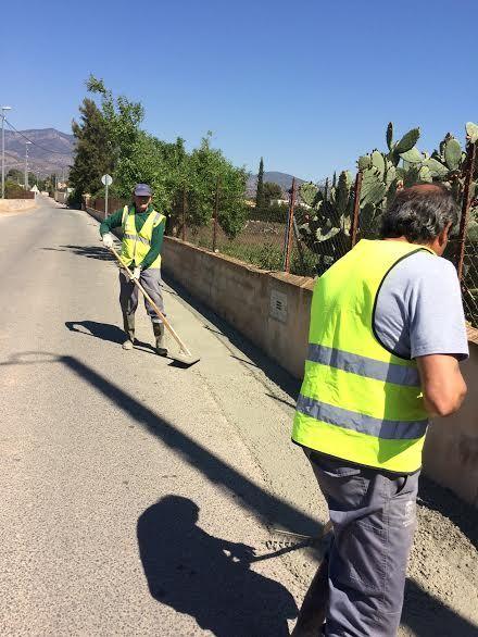 Realizan trabajos de acondicionamiento de ambos márgenes del Camino del Polideportivo para mejorar la seguridad, Foto 4