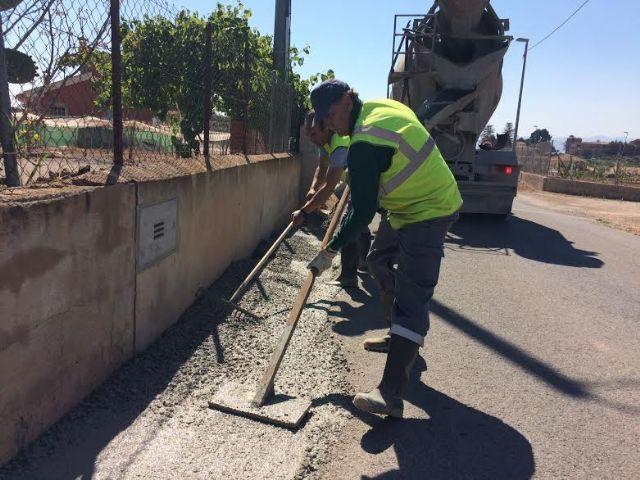 Realizan trabajos de acondicionamiento de ambos márgenes del Camino del Polideportivo para mejorar la seguridad, Foto 7