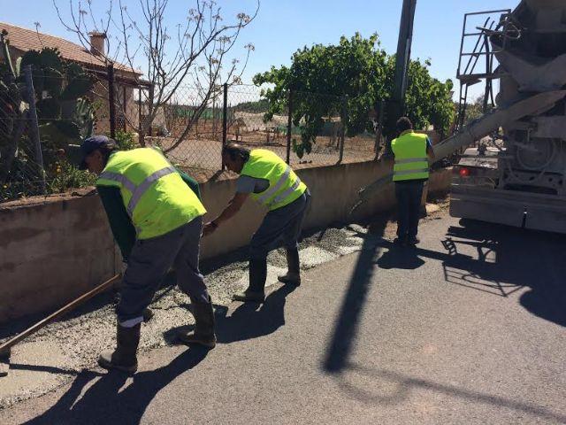 Realizan trabajos de acondicionamiento de ambos márgenes del Camino del Polideportivo para mejorar la seguridad, Foto 8
