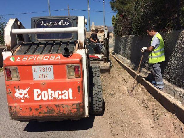 Realizan trabajos de acondicionamiento de ambos márgenes del Camino del Polideportivo para mejorar la seguridad, Foto 9