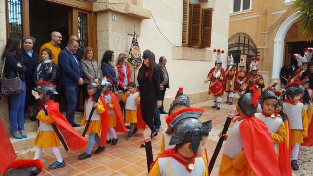 La consejera de Educaci�n y Universidades participa en actividades en colegios con motivo de la Semana Santa, Foto 1