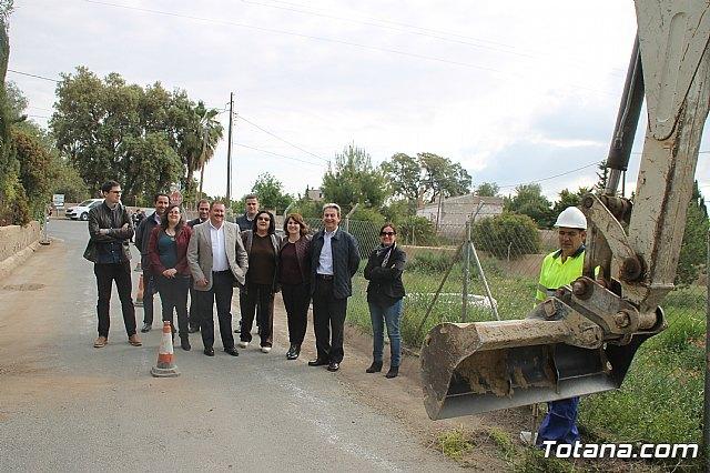 Comienzan las obras de mejora de la carretera de acceso al yacimiento de La Bastida, con una inversión de más de medio millón de euros, Foto 1