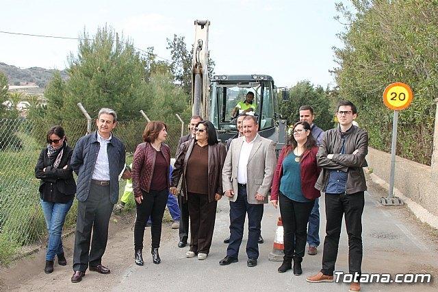 Comienzan las obras de mejora de la carretera de acceso al yacimiento de La Bastida, con una inversión de más de medio millón de euros, Foto 2