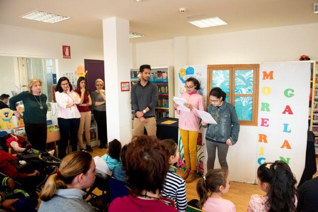Los alumnos del aula abierta inauguran la programación  de bibliotecas con motivo del día mundial del libro, Foto 1