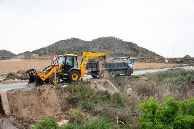 La comunidad inicia obras de mejora en la carretera de la Pinilla, Foto 1