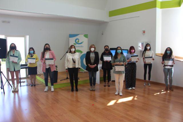 San Pedro del Pinatar premia a 10 alumnas excelentes en bachillerato, ciclos formativos y grados universitarios - 1, Foto 1
