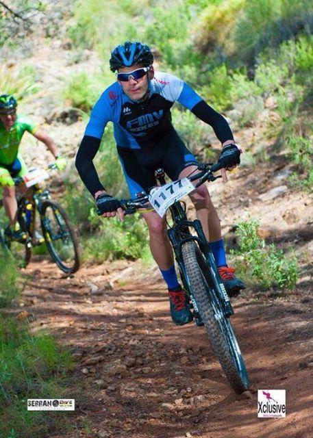 El club Totana Triathlon da comienzo a la temporada de triatlones con la presentación de la nueva equipación y componentes, Foto 3
