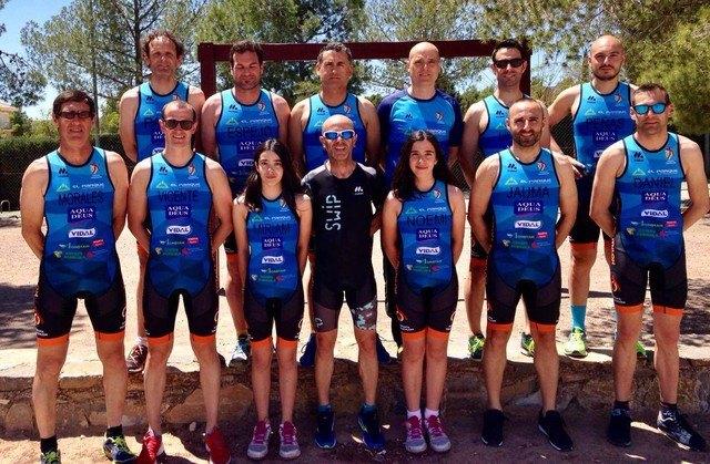 El club Totana Triathlon da comienzo a la temporada de triatlones con la presentación de la nueva equipación y componentes, Foto 5