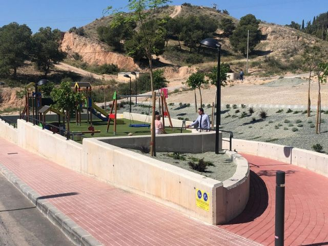 """The name of Ginés Sánchez Cánovas """"El Palomo"""" is given to the new green areas and children's playground built in the San José neighborhood, in compliance with the plenary agreement - 5"""