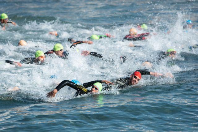 220 nadadores participan en la III travesía a nado de la Isla Fun Fest - 5, Foto 5