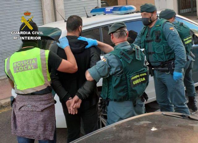 La Guardia Civil desmantela en Águilas un punto de venta de sustancias estupefacientes - 2, Foto 2