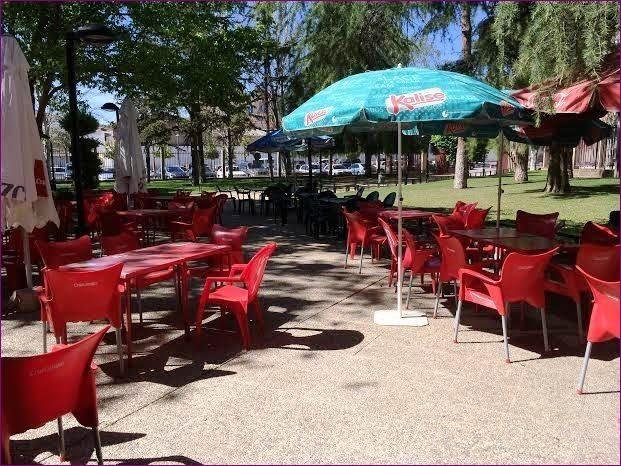 Los hosteleros interesados tienen hasta el 18 de junio para presentar ofertas para la explotación del servicio de bar-cafetería en el parque municipal, Foto 1