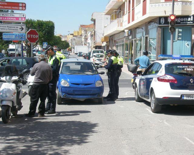 La Policía Local colabora en una nueva campaña de la DGT sobre control de la tasa de alcohol y presencia de drogas en conductores, Foto 1