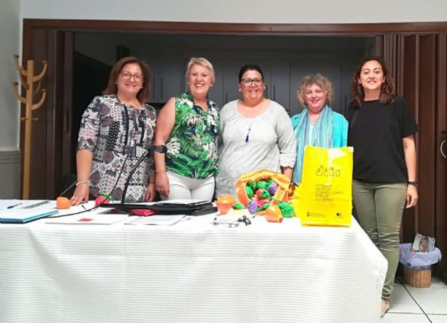 Medio Ambiente ofrece una charla sobre consumo responsable a la Asociación de Amas de Casa - 1, Foto 1