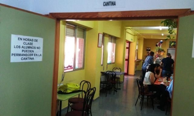 Sacan a licitación el servicio de cafetería del IES