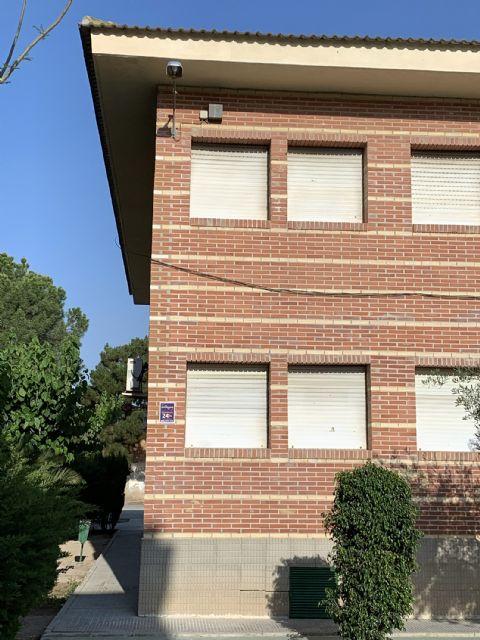 La Consejería de Educación repara la grieta de la fachada del colegio El Parque - 2, Foto 2