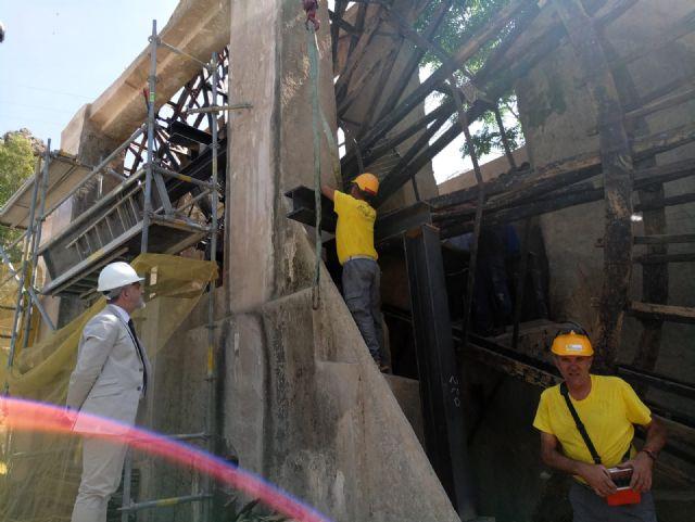 Las obras de reparación de la Noria de Abarán avanzan con la colocación del eje - 2, Foto 2